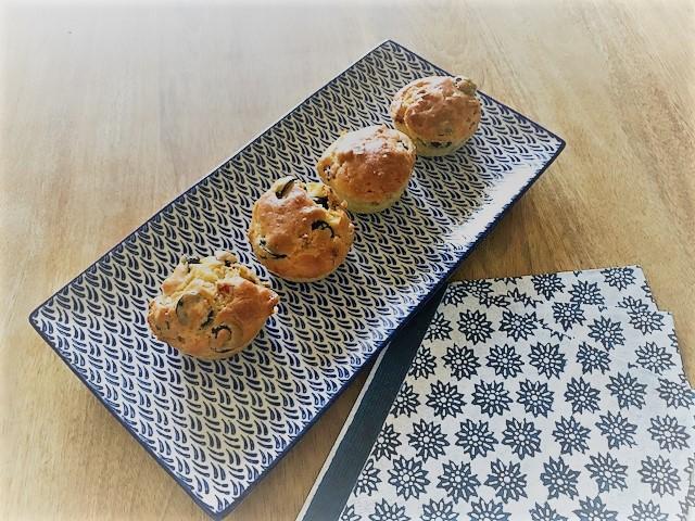 Muffins salés aux olives, lardons etemmental